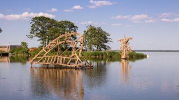 Gintaro įlanka · nendrinės skulptūros 1980